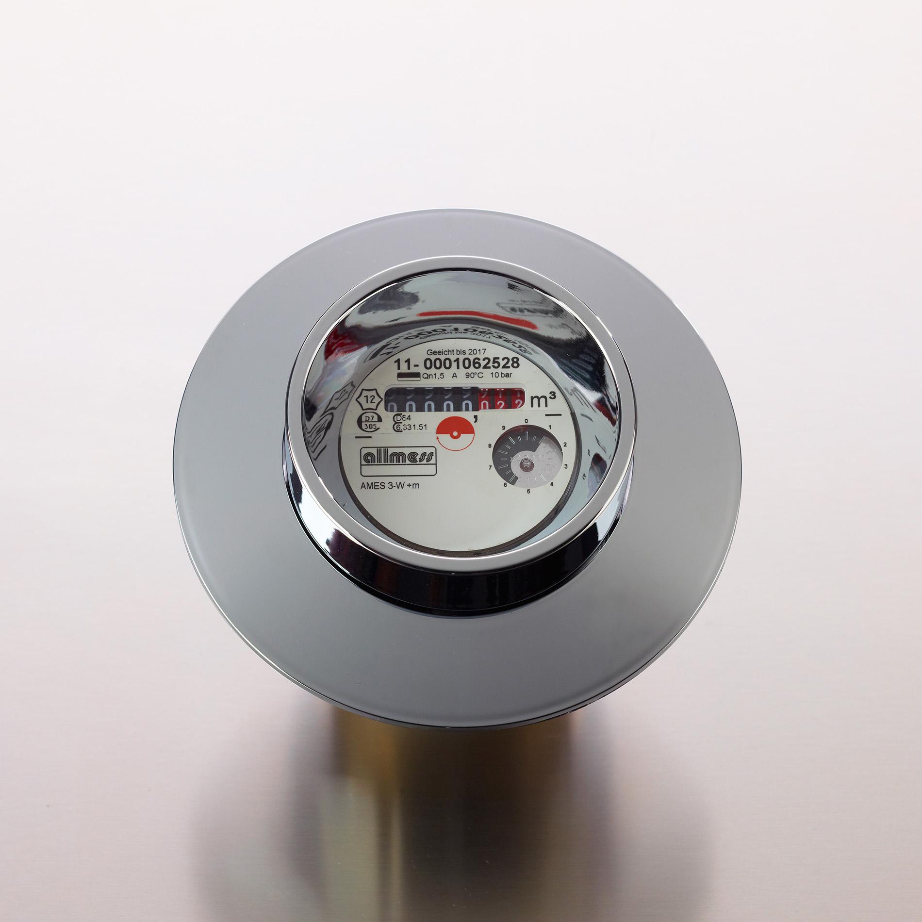 Fotodesign-matthias-schütz-warmwasserzähler-chrom