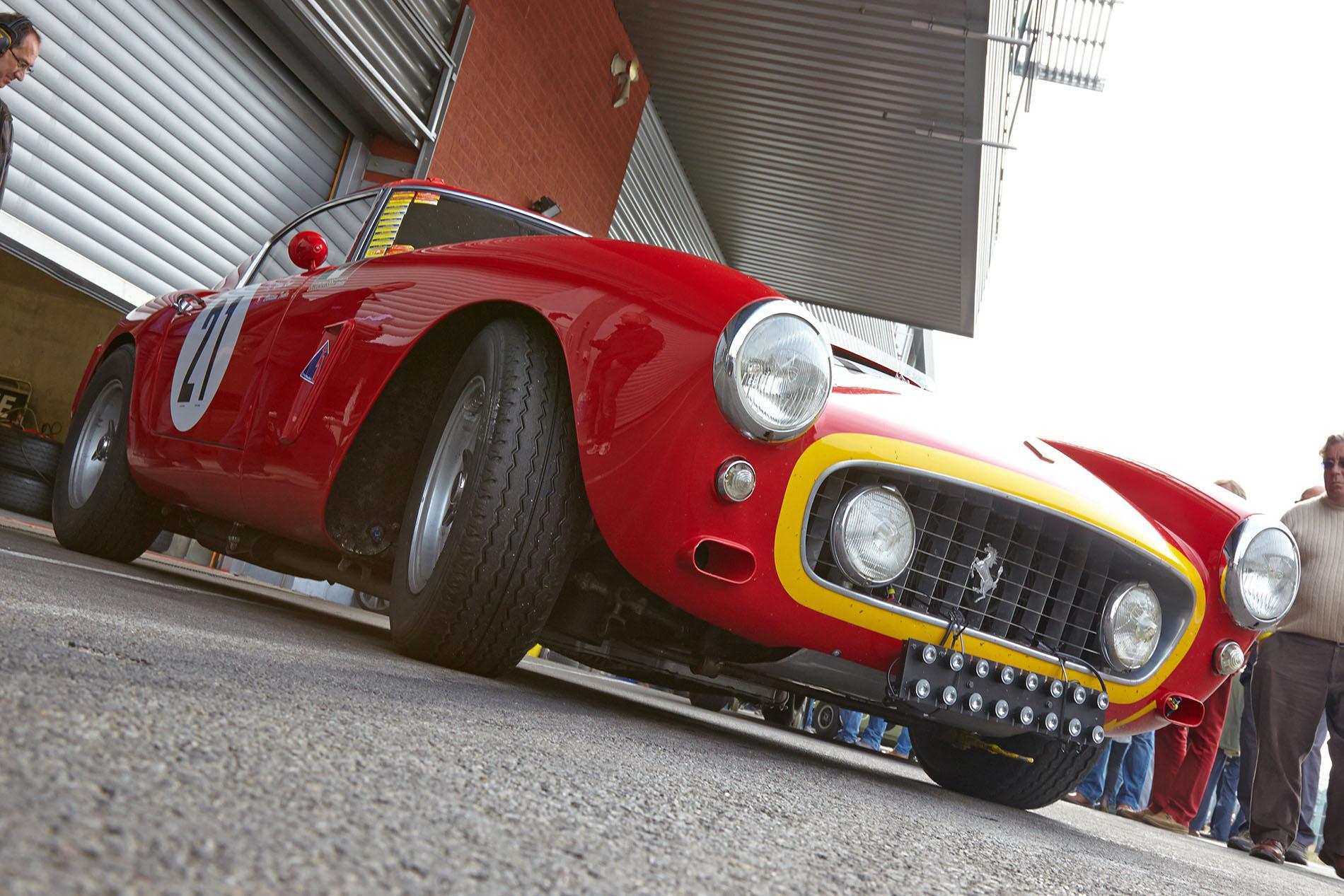 Ferrari-gt-250-swb-box