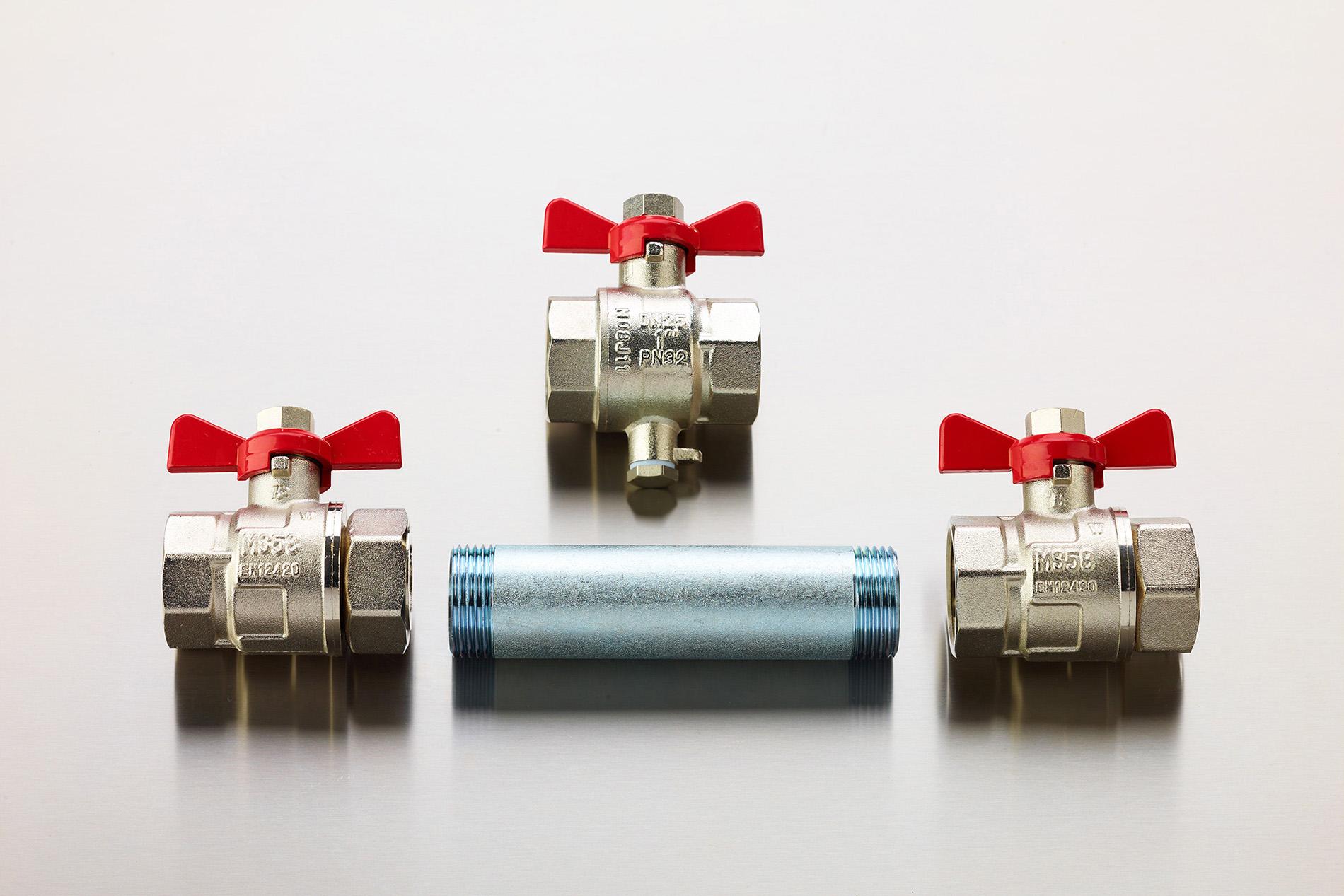 Fotodesign-matthias-schütz-ventile-stahlrohr