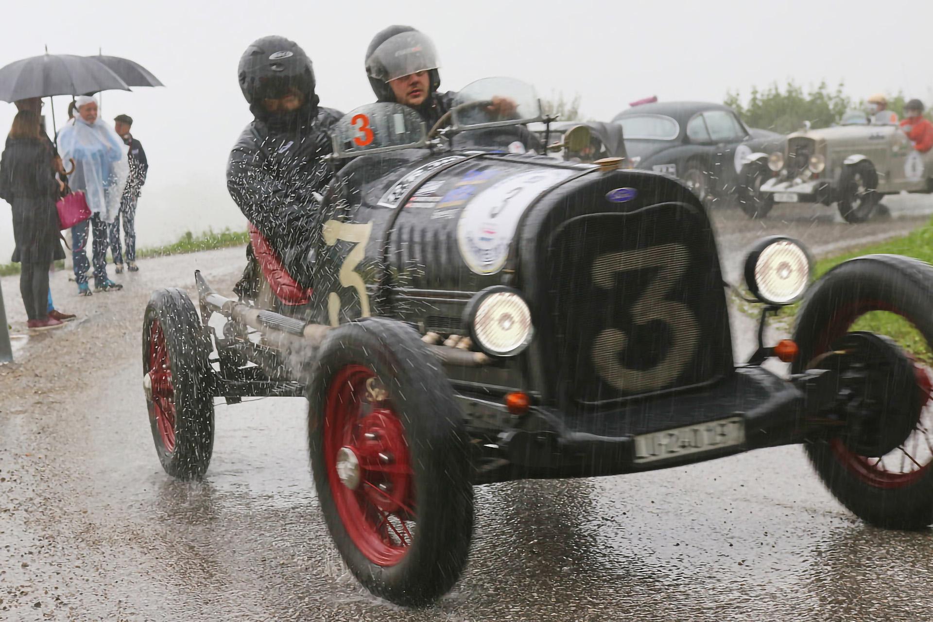 Vintage-ford-model-a-im regen